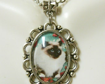 Brown and white cat pendant and chain - CAP05-138