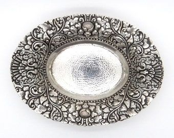 Yogya 800 Silver Oval Candy Bowl 141 Grams - Oriental Art Deco Silver - 1930s Collectible - Lotus Floral Design - Antique Silverwork - 日惹銀