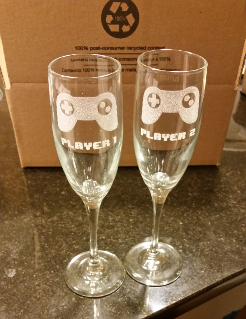geek wedding gamer wedding rings PLAYER 1 and PLAYER 2 Video Game Wedding Champagne Flutes