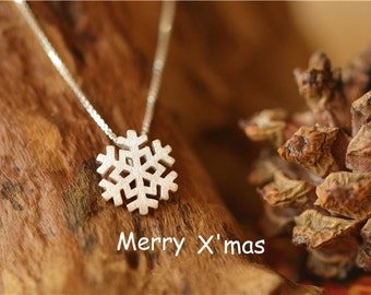 Beautiful snowflake necklace-snow jewelry-standard silver necklace- snow necklace-gift necklace-snow flower pendant-girl's gift