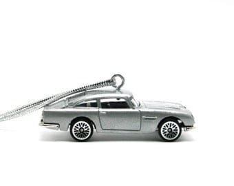 1963 Aston Martin DB5 James Bond 007 Goldfinger Hot Wheels Ornament