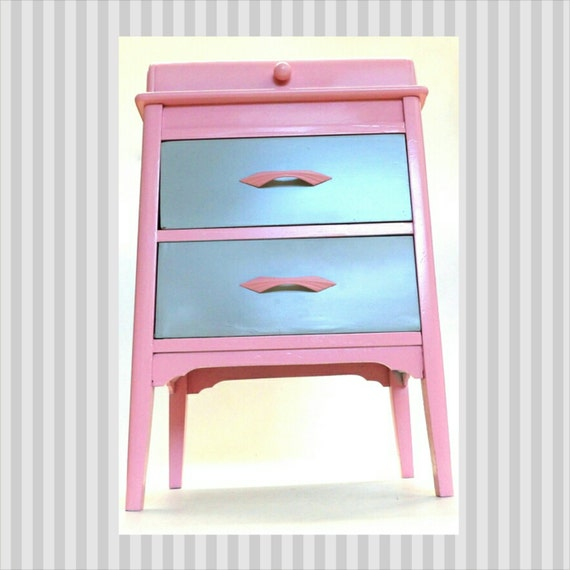 Nightstand pink night stand bedside table by for Little girls nightstand