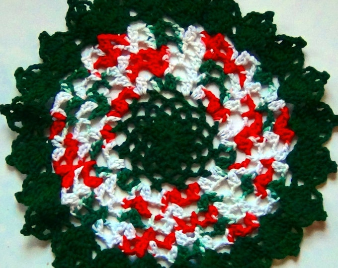 Christmas Table Doily, Table Mat, Red and Green Doilies, Gift Ideas