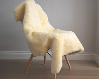 Supersoft XL Cream Sheepskin Rug Throw Champagne colour Eco short Haired Sheepskin Rug