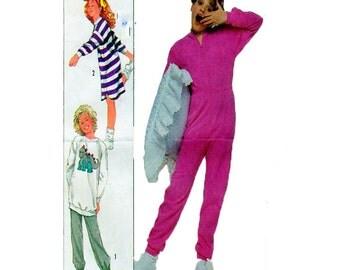 Footed Pajamas, Onsie, Simplicity 8320, Simplicity 4239, Sleepwear, Nightshirt, Two Piece Pajamas, Pants and Top, Size 7-8-10 Sewing Pattern