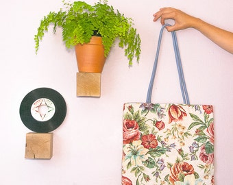 the tote bag English flowers and jute - grey bird