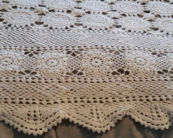 Beautiful Crocheted Coverlet/Bedspread in Oatmeal/Linen Color - Scalloped Edges