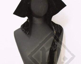 Silk Velvet Women's Open Hood 15th century