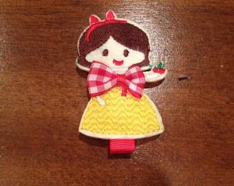 Girls Princess Hair Clip, Princess Clippie, Girls Hair Clip, Princess Hair Clip, Snow White Hair Clip, Snow White Clippie