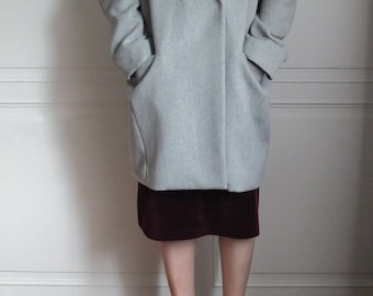 Light grey tailor-fit wool coat