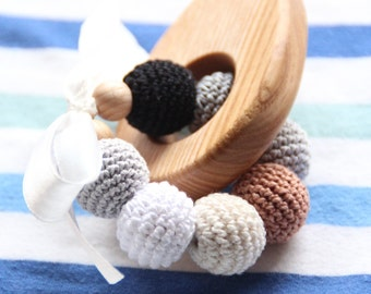 Neutral baby wooden teething rattle / Stylish and natural / Beads are safe for teething / Wooden teething toy
