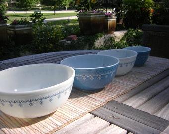 Pyrex Snowflake Garland Snowflake Blue Nesting Bowl Set 401, 402, 403, 404