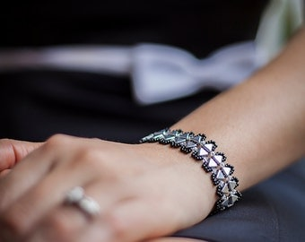 Black and Silver Triangle Bead Bracelet
