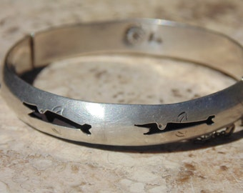 Vintage Mexican Sterling Silver Childs Fish Shadowbox Hinged Bangle with Safety Chain and Push Clasp
