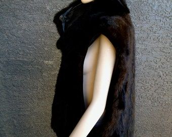 1980s Slouchy Fur Vest - Deep Armholes, Leather Collar, Front Pockets,  Zip Up Vintage Opposum Fur Vest by Andrew Marc