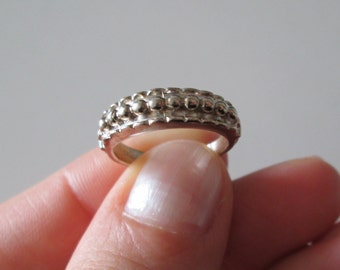 925 Sterling Silver Vintage Carved Geometric Dots band Ring, size 5