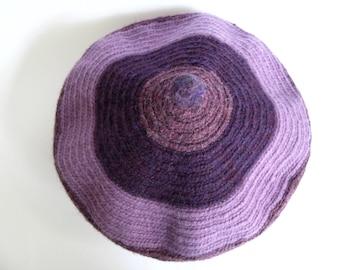NEW ! handmade woollen beret, desert sage/dried herbs, light felted, elegant
