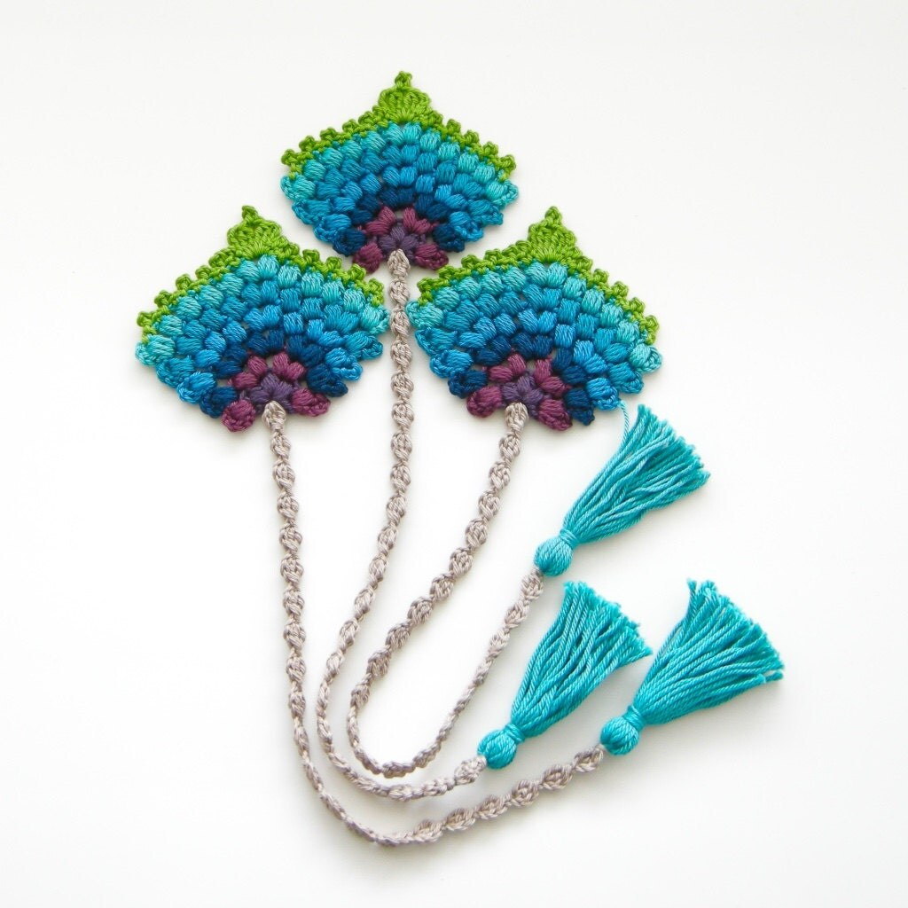 Crochet pattern bookmark peacock feather fan photo tutorial zoom bankloansurffo Image collections
