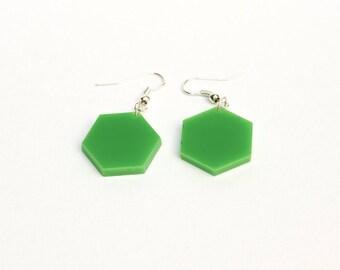 Hexagon dangle earrings - Green acrylic