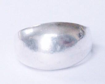 Vintage Sterling Silver Modern Dome Band Size 7