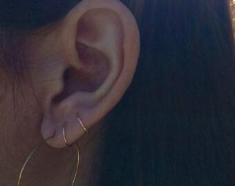 Fake piercing, small hoop earring, tiny hoop earring, huggie earrings small silver hoop second piercing, small ear cuff, gold huggie earring