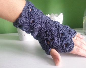 Handmade crochet fingerless gloves, crochet mittens,Crochet Womens Flip Top Mittens, Winter Fashion, Cycling Mittens, Stylish Gloves