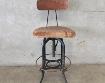 Vintage Toledo Stool with Backrest (3DWZFN)