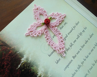Small crochet cross, light pink, lace, red flower