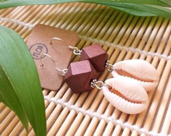 Geometric shell earrings - Earrings with shells and geometric wooden bead