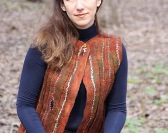 Vest made of wool Irish moss. Felting