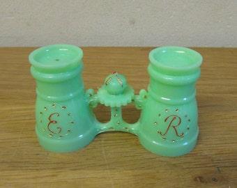 "1950s kitsch green plastic ""E R"" opera glasses salt & pepper duo"