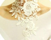 Bridal white lace choker necklace, Asymmetric Floral lace necklace, Neck Corset, Bridal Neck Piece