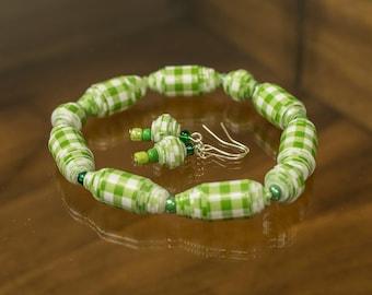 Paper Bead jewelry set Paper bead bracelet Paper bead set handmade beads Stretch bracelet Green bracelet Paper bead stretch bracelet
