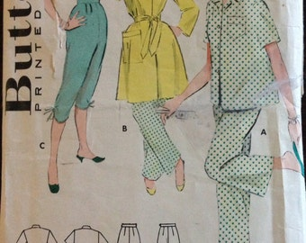 Butterick 6995 - 1950s Two Piece Pajama and Robe Ensemble - Size 42 Bust 44