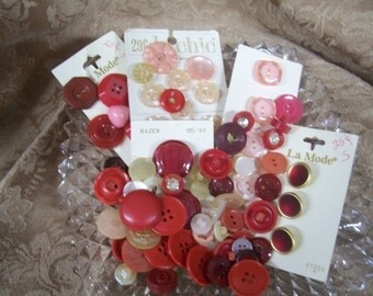 150 Vintage Red & Pink Button mix.