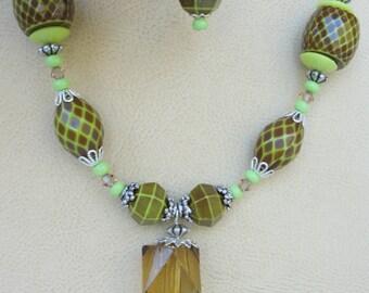 Olive Necklace Set