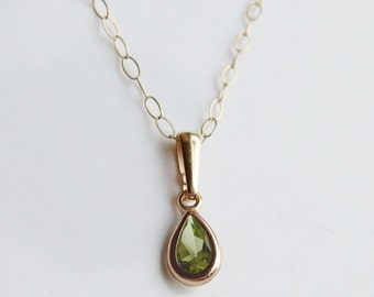 Vintage 9ct 9k Gold Peridot Necklace