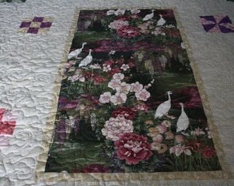 Beautiful Panel Quilt - Queen-Sized