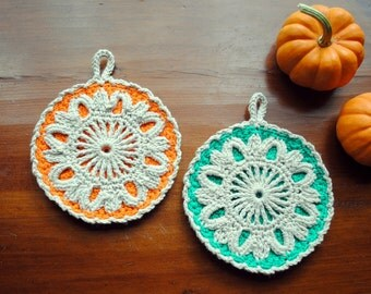 Crochet pot holders, beige, orange, green