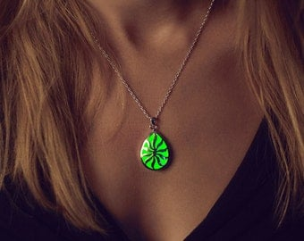 Green Glowing Necklace - Glowing Jewelry - Glow Necklace - Sun Necklace - Glow in the Dark - Gifts for her - Green Necklace - Peridot Green