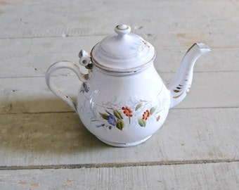Very prettyVintage french Enamelware teapot / Enamel teapot for One/ Vintage teapot