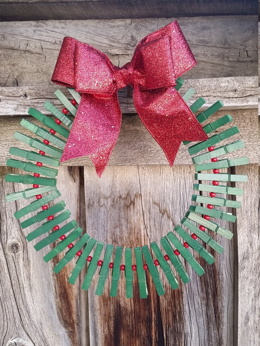 Clothespin Christmas Card Holder Wreath