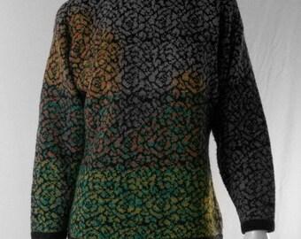 kickass 80s pattern sweater