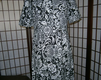 Women's Black and White Print Shirtwaist Dress - Ann Taylor