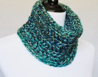 SALE! Blue and Green Crochet Cowl, Chunky Neck Warmer, Short Infinity Scarf, Crochet Collar Scarf