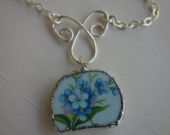 Broken china jewelry - broken china pendant necklace- blue broken plate pendant necklace, blue flower pendant with handmade wire frame