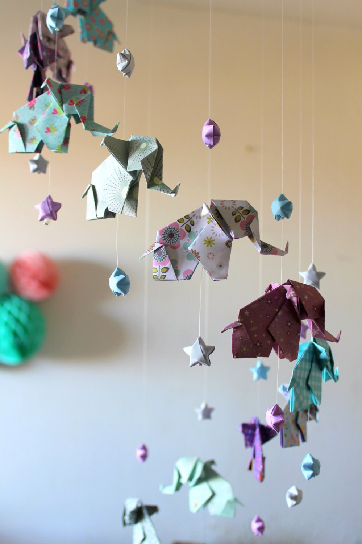 mobile b b origami el phants et etoiles bleu gris violet. Black Bedroom Furniture Sets. Home Design Ideas