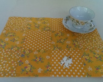 Yellow  Place Mats - Set of 4