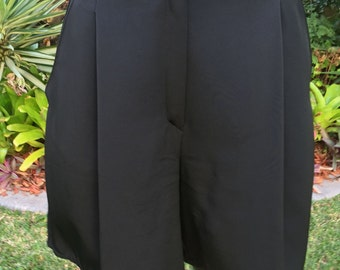 Vintage Italian Sportmax Black Shorts Size 6-8