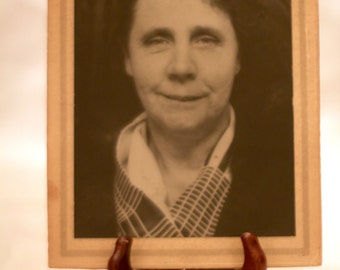 1900's photograph- Older Woman/ Mother- 20th Century